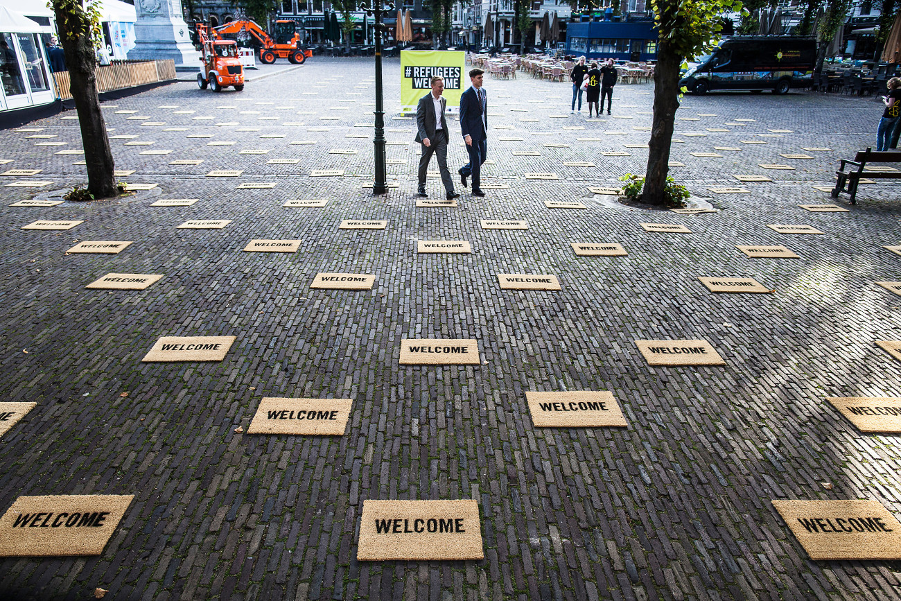 217490_Activists_in_the_Netherlands_say_it_with_a_doormat_